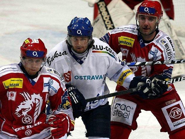 Snímky z utkání HC Oceláři Třinec – HC Vítkovice Steel.