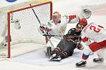 Mistrovství světa hokejistů do 20 let, finále: Rusko - Kanada, 5. ledna 2020 v Ostravě. Na snímku (zleva) brankář Ruska Amir Miftakhov, Akil Thomas a Danil Zhuravlyov.