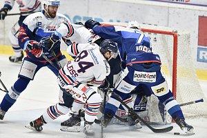Utkání 10. kola hokejové extraligy: HC Vítkovice Ridera - HC Kometa Brno, 14. října 2018 v Ostravě. Na snímku (střed) Jan Schleiss.