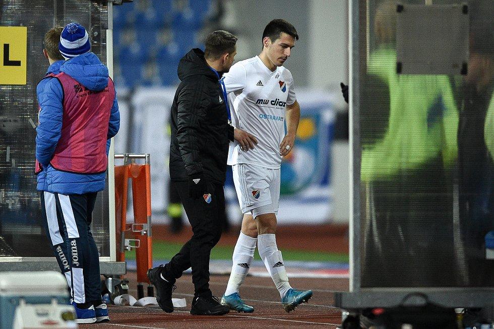 Utkání 22. kola první fotbalové ligy: Baník Ostrava - FK Jablonec, 24. února 2020 v Ostravě. Zraněný hráč Robert Hrubý z Ostravy.