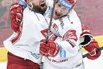 Čtvrtfinále play off hokejové extraligy - 1. zápas: HC Oceláři Třinec - HC Vítkovice Ridera, 20. března 2019 v Třinci. Na snímku (zleva) Martin Růžička a Erik Hrňa.