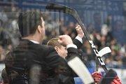 Čtvrtfinále play off hokejové extraligy - 4. zápas: HC Vítkovice Ridera - HC Oceláři Třinec, 25. března 2019 v Ostravě. Na snímku trenér Třince Václav Varaďa.