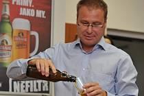 Pivovar Ostravar v čele se sládkem Romanem Richterem vytvořil pro letošní slavnosti speciální svrchně kvašený polotmavý ležák ALE Ruby.