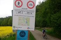 OBLÍBENÁ cyklotrasa číslo 5 a zároveň i nejlepší pěší spojnice mezi Martinovem a Děhylovem okolo řeky Opavy je uzavřená.