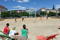Pláž v centru otevřel souboj Baníku s Vítkovicemi.