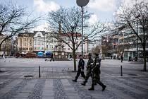 V ulicích Ostravy se objevily smíšené hlídky policistů a vojáků