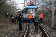 Srážka tramvají na jednokolejné trati mezi Porubou a Vřesinou.