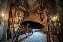 Zvon Salvator v Katedrále Božského Spasitele, březen 2021 v Ostravě.
