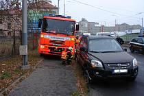 Naštěstí bez zranění se obešla dopravní nehoda, při které se v pátek ráno střetla tramvaj na lince číslo 1š a osobní vozidlo Kia. Stalo se tak u ČEZ Arény u výjezdu z ulice Ruské na ulici Plzeňskou.