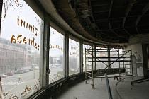 Rekonstrukce bývalého hotelu Palace v centru Ostravy začala. Z chátrajících budov by v příštím roce měla vzniknout studentská rezidence.