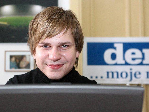Vítěz Česko Slovenské SuperStar a Objev roku Martin Chodúr během on-line rozhovoru se čtenáři Deníku.