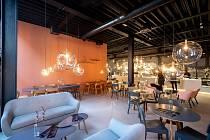 COKAFE v Dolních Vítkovicích chce sázet na snídaně, po zaběhnutí na obědová menu a lidem nabídne i pohled na pražení kávy v prosklené pražírně.