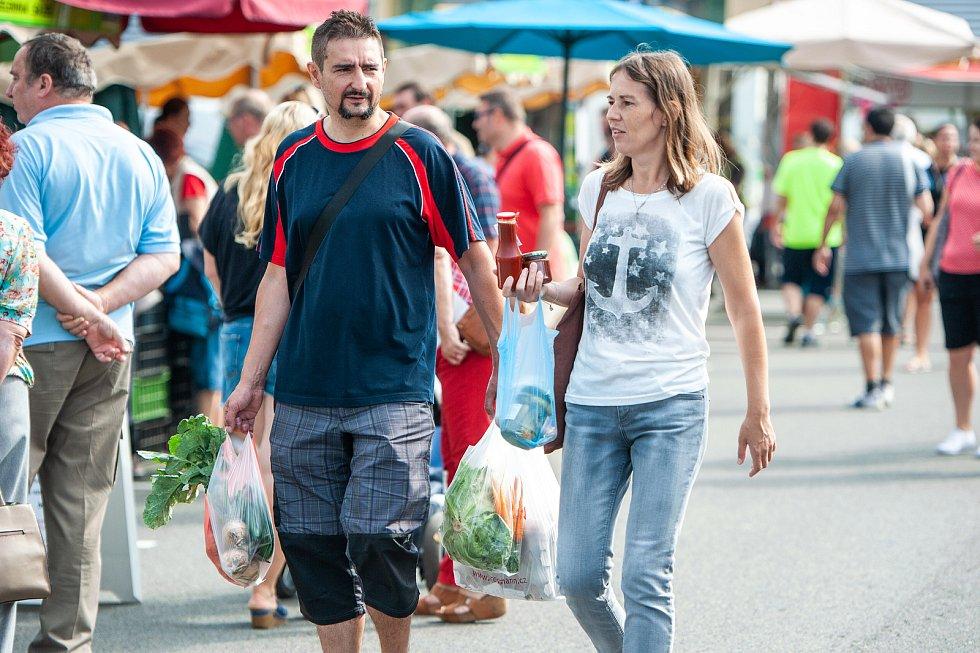 Farmářské trhy u nákupního centra Futurum, 14. červenec 2018 v Ostravě.
