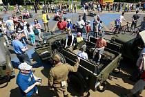 Den s vojenskou technikou se konal v den státního svátku Dne vítězství v Ostravě-Porubě.