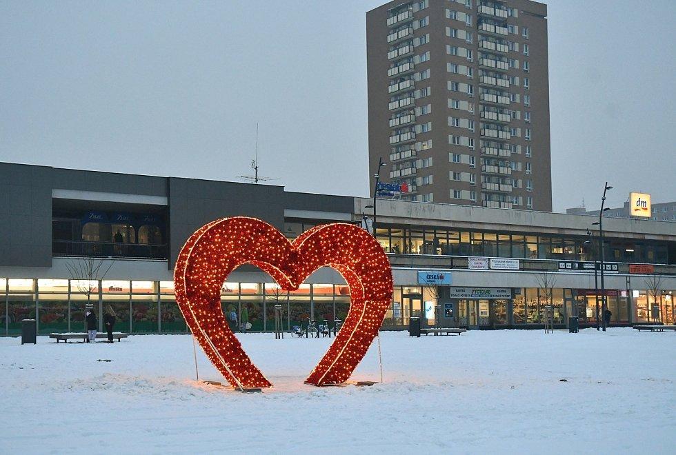 Valentýnské srdce na náměstí Ostrava-Jih, únor 2021.