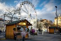 Vánoční trhy na Masarykově náměstí v Ostravě, 19. prosince 2020.