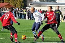Baník v zimní přípravě zatím jen jednou prohrál, když nestačil na Spartak Trnava. Kvalitní soupeři ale na ostravský celek teprve čekají v turecké Antalyi, kam tým dnes odlétl.