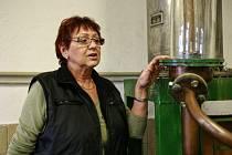 Bedřiška Janíková ve vrbické pálenici.