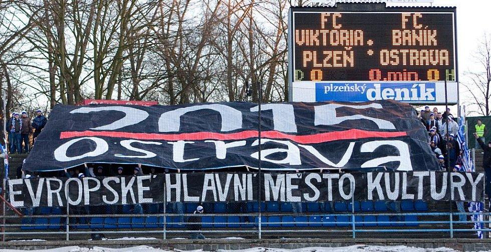 Choreo fanoušků Baníku věnované souboji Ostravy a Plzně o titul Evropské hlavní město kultury 2015.