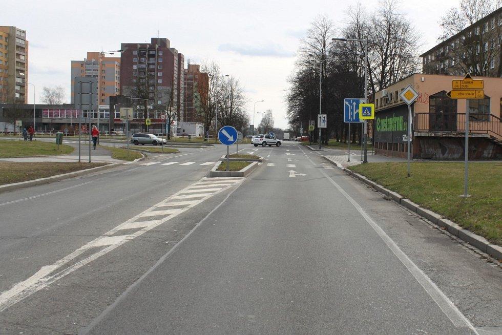 Policie hledá svědky sražení ženy automobilem, ke kterému došlo krátce před 13. hodinu na křižovatce ulic Francouzská a Hlavní třída v Ostravě-Porubě ve směru k ulici Nad Porubkou.