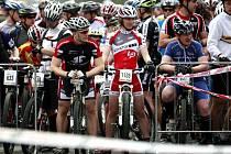 Hlavní třída v Porubě v sobotu patřila cyklistům a později taky bruslařům. Konal se tam totiž šestý ročník závodů na horských kolech pro veřejnost.