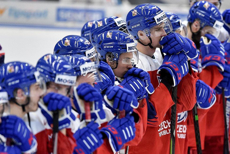 Mistrovství světa hokejistů do 20 let, čtvrtfinále: ČR - Švédsko, 2. ledna 2020 v Ostravě. Na snímku smutek Česka (Karel Plasek).