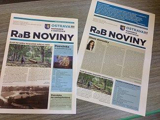 Radniční noviny vyšly v podobě na snímku vlevo. Jelikož z nich byl článek s rozloučením stažen, rozšířila jej starostka mezi lidmi formou letáku (vpravo na snímku).