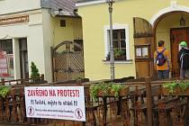 Štramberští podnikatelé v sobotu na protest zavřeli své provozovny.