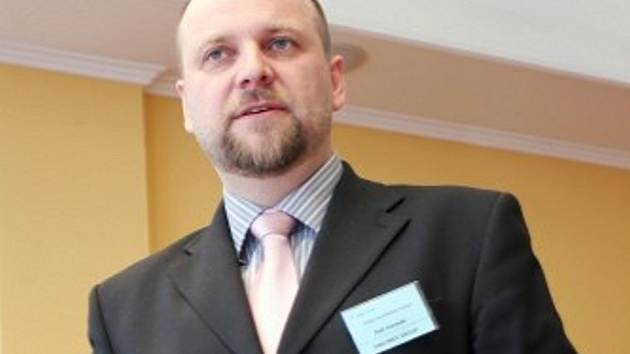 Nový generální ředitel automobilky Tatra Trucks a.s., Petr Karásek, nastoupil do funkce v úterý 1. října.