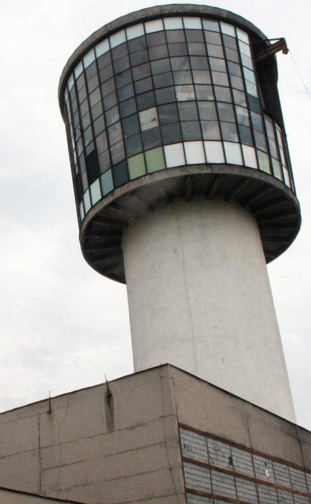 Technický unikát – jediná kulatá těžní věž stojí ve Sviadnově.