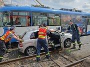 Srážka tramvaje s autem v Ostravě-Zábřehu skončila neštěstí jen šokem.