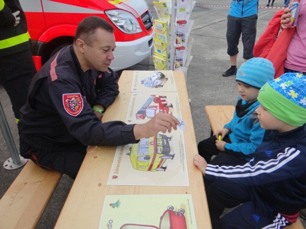Na Dnech NATO se prezentovali také hasiči.