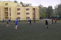 V zápase mezi Instalem a Relaxem se z výhry 3:2 radovali domácí fotbalisté.