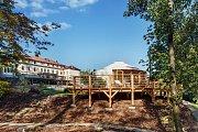 Luhačovický hotel si postavil jurtu