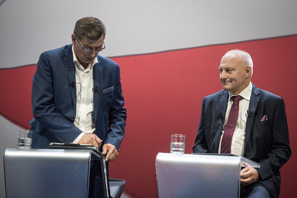 Debata kandidátů na primátora města Ostravy v České televizi, 13. září 2018 v Ostravě. Na snímku (vlevo) Zdeňek Nytra (ODS) a Zbyněk Pražák (KDU-ČSL).