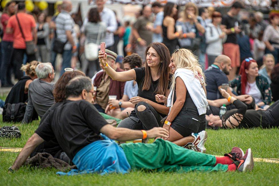 Návštěvníci na komorním hudebním festivalu NeFestival, 15. července 2020 v Ostravě.