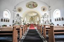 Kostel sv. Bartoloměje v Nové Vsi, druhá nejstarší církevní památka v celé Ostravě, srpen 2018.