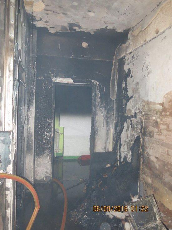 Noční požár ubytovny v ubytovně v Ostravě-Mariánských Horách.