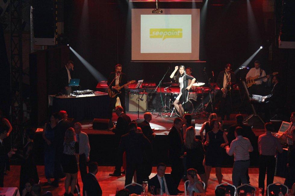 COOL ples pořádá podnikatelský klub Czech Cool Trade a společnost SeePOINT.
