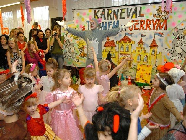 Z dětského karnevalu v MŠ Lechowiczova v Moravské Ostravě.