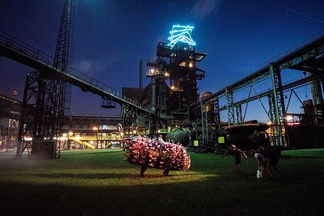 Industriální safari: Monstra v Hlubině (Dolní Oblasti Vítkovice - DOV), dne 3. června v Ostravě.