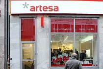 SPOŘITELNÍ DRUŽSTVO ARTESA otevřelo včera v Ostravě svou první mimopražskou pobočku.