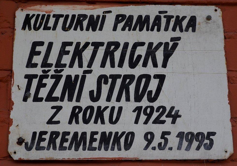 Památkově chráněného je tady – tak jako na spoustě šachet v Ostravě – docela dost.