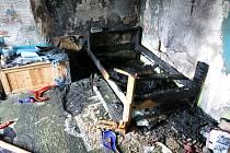 Při požáru bytu v Ostravě-Porubě se dnes dopoledne kouřem přiotrávila matka s dítětem.