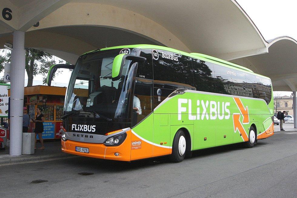 Autobus společnosti Flixbus. Ilustrační foto.