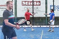 Padelový turnaj osobností v Ostravě vynesl 151 tisíc korun. (17. července 2021).