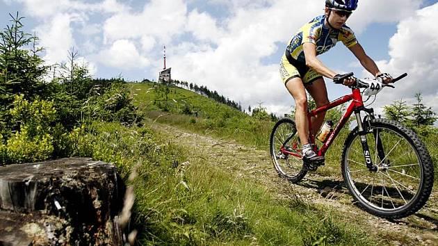 Cykloturisté se na kole dostanou i na Lysou horu