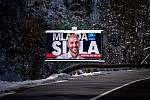 Parlamentní volby na Slovensku, 29. února 2020 v Makově. Střed billboard politické strany SPOLU – občianska demokracia.