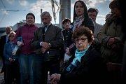 Přibližně hodinová připomínka 75. výročí čtyř transportů ostravských Židů do koncentračních táborů se uskutečnila v pondělí u památníku obětí před hlavním nádražím.