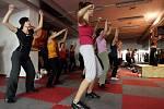 Zumba víkend v Čeladné slibuje pro milovníky tohoto nového sportovního odvětví nespoutanou zábavu plnou tance. Lektorkou Zumba víkendů je Klára Bártová.